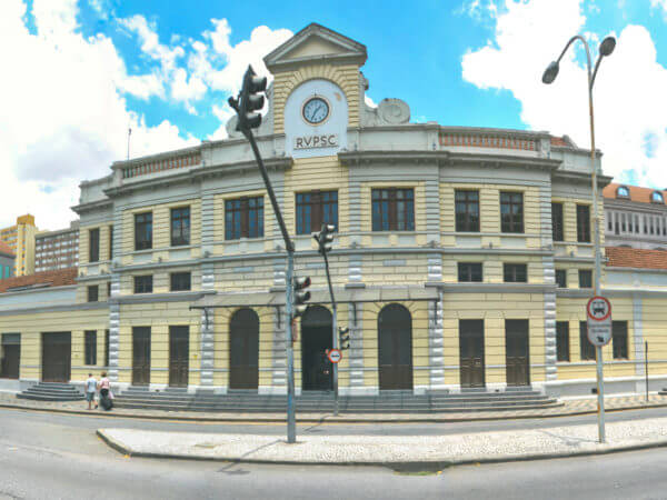 Estação Da Estrada De Ferro E Viaduto João Negrão