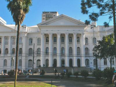 Prédio Histórico Da Universidade Federal Do Paraná