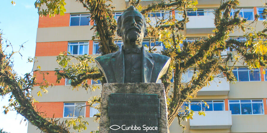 Quem foi: Barão do Serro Azul - Praça Miguel Couto - Curitiba Space