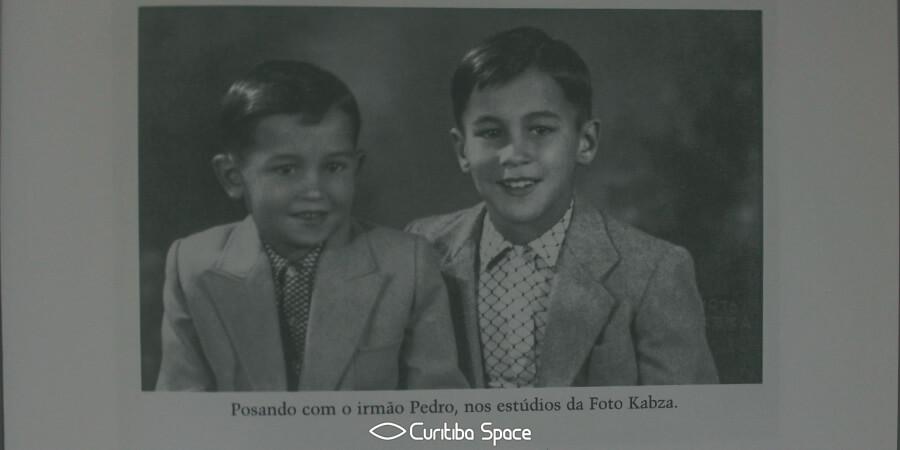 """Fotos do livro """"O bandido que sabia latin"""", biografia de Leminski escrita por Toninho Vaz"""