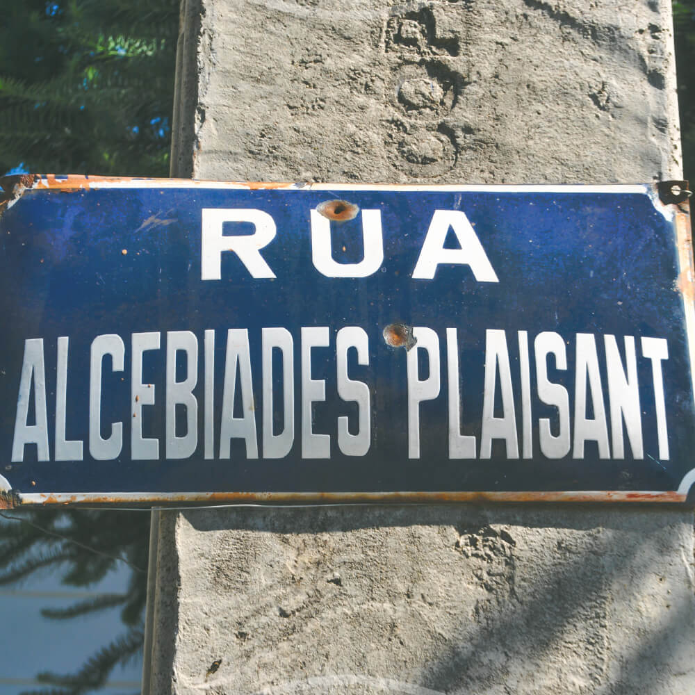 Quem Foi: Alcebíades Plaisant