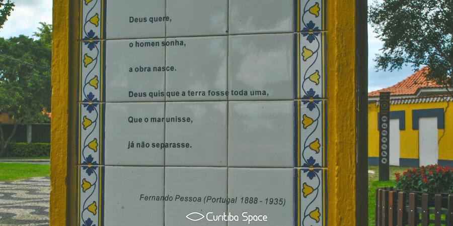 Quem foi: Fernando Pessoa - Bosque de Portugal - Curitiba Space