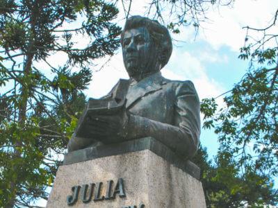 26 De Agosto: Nascimento De Júlia Wanderley