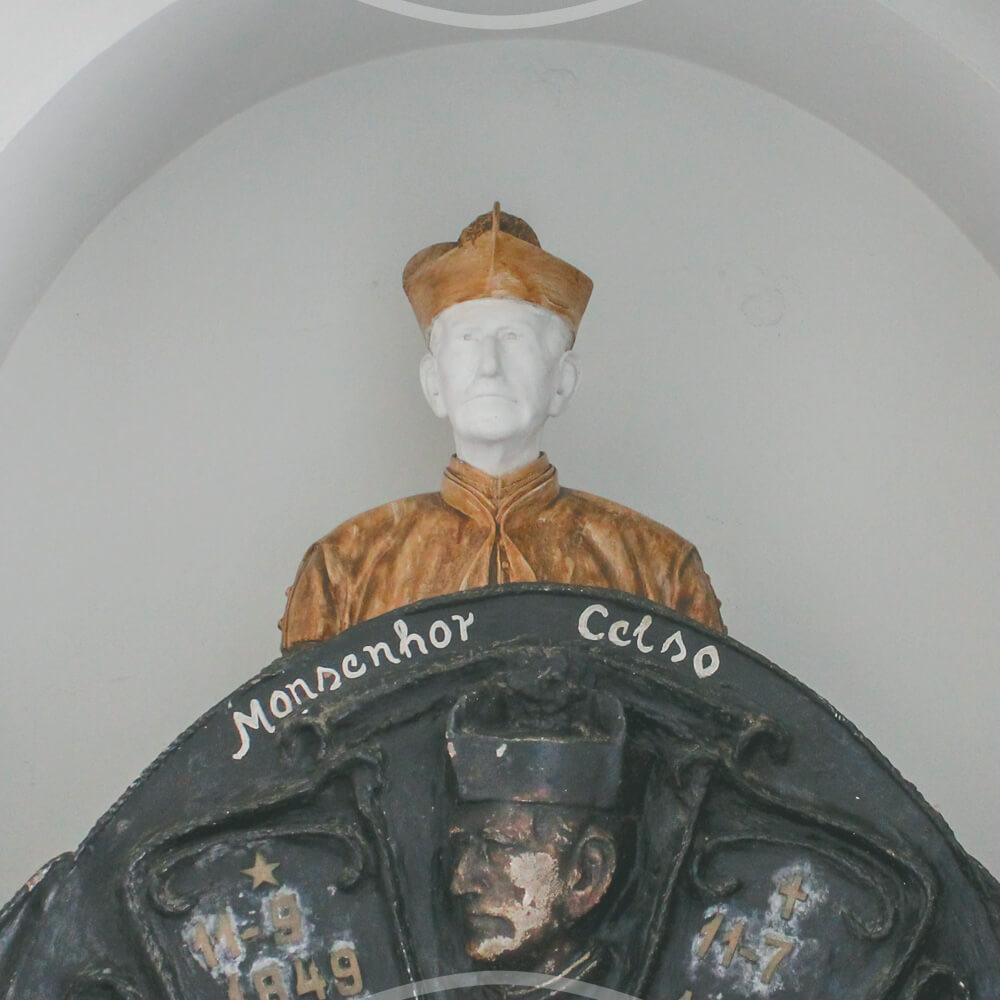 Monsenhor Celso, Na Igreja Do Rosário