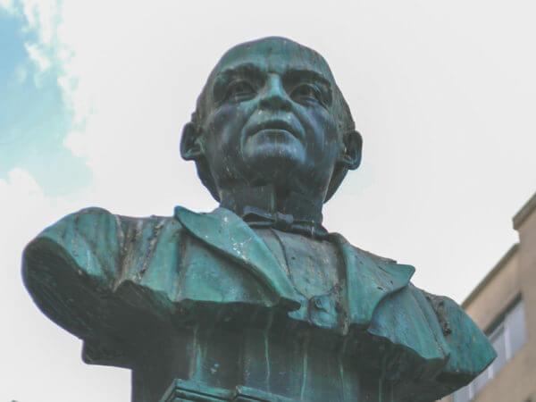 Zacarias De Góis E Vasconcelos, Na Praça Zacarias