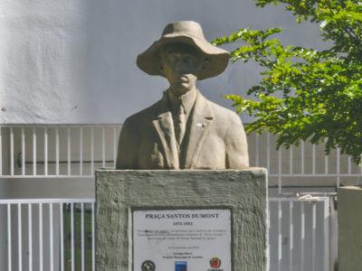 Santos Dumont, Na Praça Santos Dumont