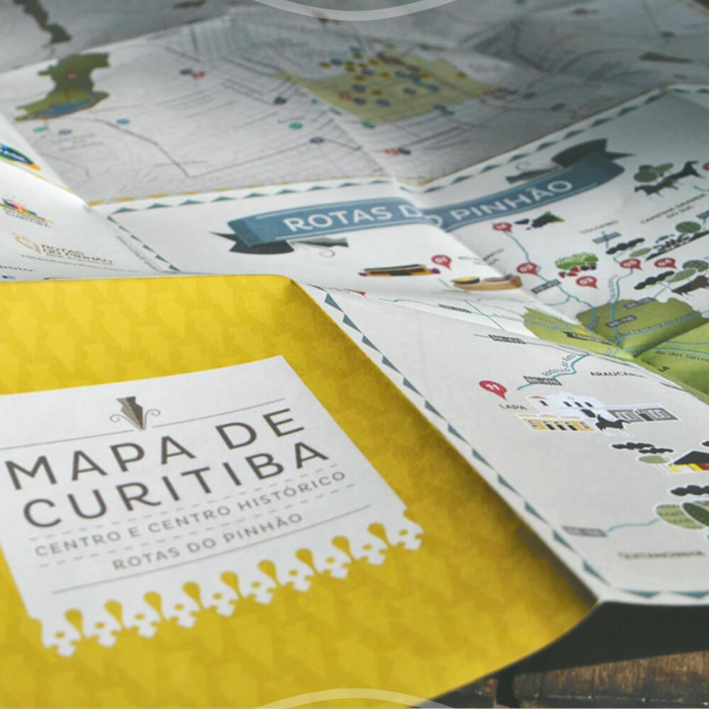 Passeio Com O Mapa Turístico De Curitiba