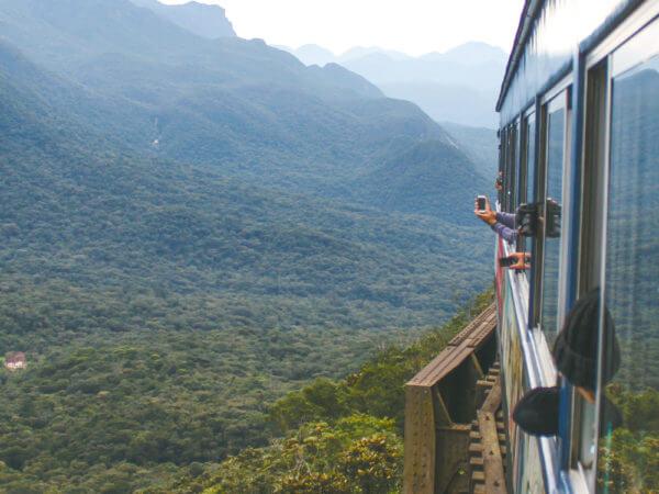 Viagem De Trem Curitiba-Morretes